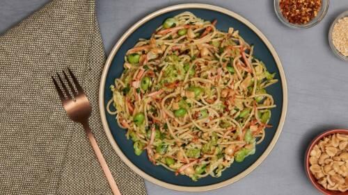 Ensalada de pasta asiática