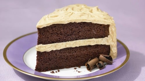 Superesponjoso Pastel De Chocolate Con Bano De Cacahuates