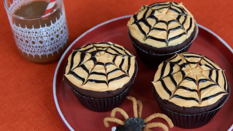Baby Spider Halloween Cupcakes