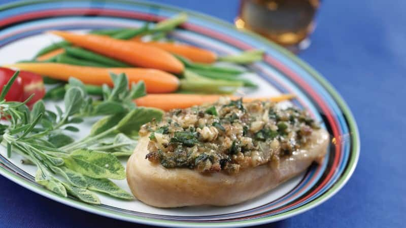 Spinach & Walnut-Topped Chicken