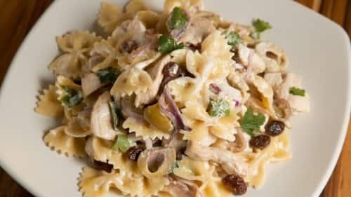 Mediterranean Chicken Pasta Salad