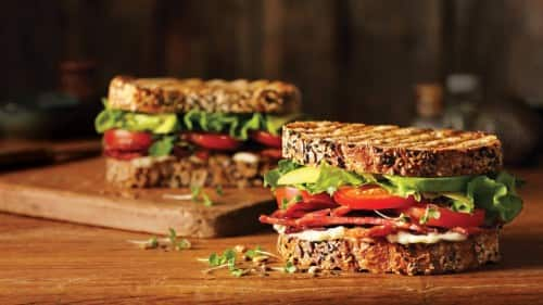BLT con aguacate